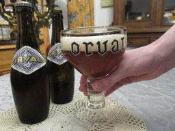 Un Orval se boit dans son verre dédié