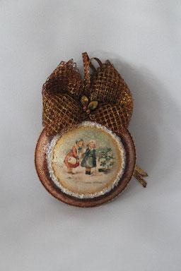 "Decoupage Medallion ""Winter Spaziergang"""