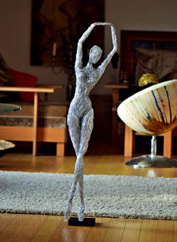 Drahtskulptur JULIA Tänzerin