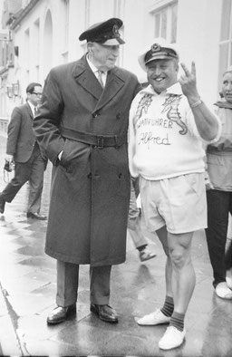 Wattführer Alfred Behring und Felix Graf Luckner  , um 1966
