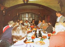 gemütliches Beisammensein des DRK Juist in der Kajüte, ca. 1980