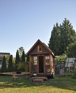 Une séries d'extraits d'émissons TV au sujet des Tiny Houses (TF1 - FR2 - FR3 - FR5 - Arte - France Info)
