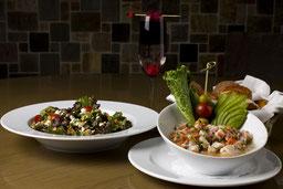 Magnifica fotografía de alimentos, rico brunch.