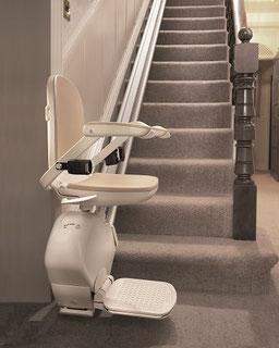 Treppenlift im Südharz für gerade Treppe, schmale Treppe