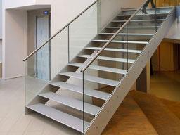brede trap in een ziekenhuis van Graah