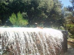 chute-d-eau-piscine