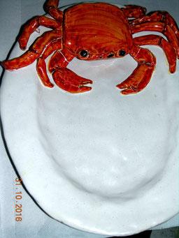 piatto ceramica scultura con granchio