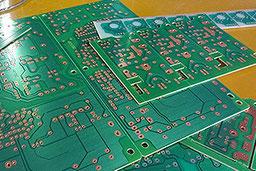 UVキュア型レジストインク対応のプリント配線基板製造が得意