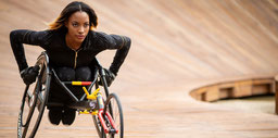 Léa Bayekula sera l'invitée d'honneur du salon, championne de Belgique du 100m et 200m en fauteuil de course.
