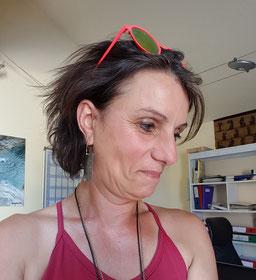 Nicole au commande du planning et à la gestion du gîte