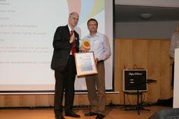 v.l. Bürgermeister Matthias Köhne und Ragnach Ach