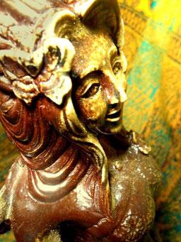 頭部に蝶 彫塑 立花雪 YukiTachibana炎と楽園のアート