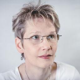Portait der Delmenhorster Schriftstellerin Katy Buchholz