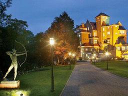 Abendansicht Schloss Mönchstein