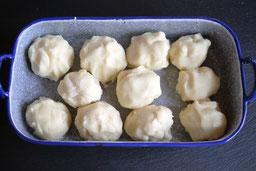 Kartoffelknödel mit Rosenkohl aus dem Ofen