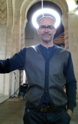 Moi aussi je suis un Saint, installation, Laurent Valera, 2013