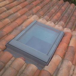 Fenetre de toit velux sur une toiture posé par l'entreprise Tempérault Bruno située à Rouillac en Charente