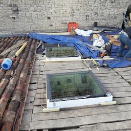 Pose d'une fenetre de toit Velux posé par l'entreprise Tempérault Bruno situé à Rouillac (16)