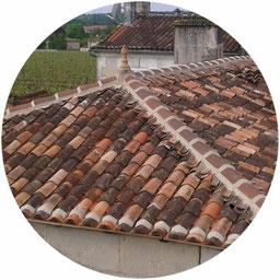 Réalisation d'une toiture en tuiles canalaverou par l'entreprise Tempérault Bruno située à Rouillac en charente