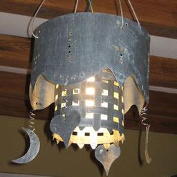 lampe enzinc fabriquée par l'entreprise Temperault Bruno en Charente