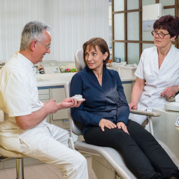 Eingehende Beratung bei Ihrem Zahnarzt in Brunn am Gebirge.