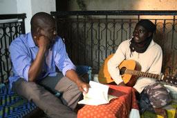 Prof. Felwine Sarr und Saliou Sarr in Dakar -  Fotos: Peter Heller, Filmkraft