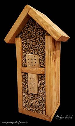 Insektenhotel Insektennisthilfe Nisthilfe Positivbeispiel Bohrungen im Hartholz Bambus Wildbienen wildbee insect hotel nesting aid hardwood bamboo