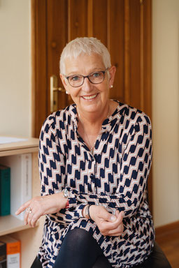 RAin Kay Schneider