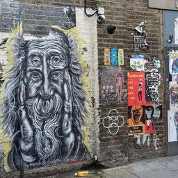 Shoreditch Street Art Tours, Pyramid Oracle