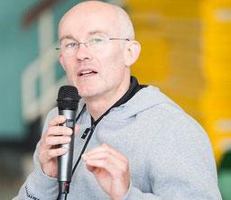 Robert Heiduk, Dipl.-Sportlehrer, Trainingswissenschaftler, Schwerpunkt Belastungs- und Innovationsmanagement.
