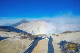 Der Vulkan Ijen・Die blaue Flamme