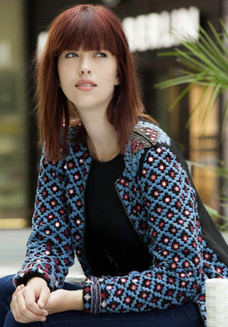 Haare & Make-up: Julia Arnhardt (bloos Absolventin 2014) Fashionstyling: Nickangel Model: JuleEva Agency: JAVA People Management Foto: Markus Thiel