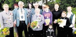 Alle neuen Basbecker Majestäten versammelten dsich zum Gruppenfoto. Foto: privat