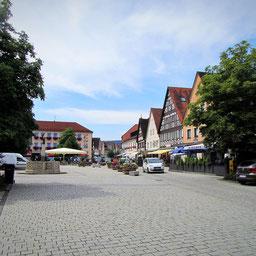 Ebermannstadt  ein kleines Städtchen mit seiner über 1000 jährigen Geschichte mitten in der Fränkischen Schweiz. 2km vom Landgasthof Bieger