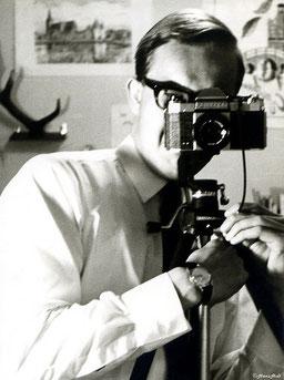 Als Selfies noch Selbstporträts hießen, war es verdammt schwer, irgendwen dafür zu interessieren. Bild Selfie 1965, Hans Holt/flickr