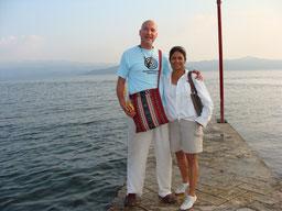 Wir erwarten dich auf der Reise nach Olman, die dein Leben verändern wird, das garantieren wir dir, mit offenem Herzen, Pascal K'in und Victorina...