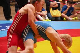 einen harten Kampf lieferten sich Ricco und Max Marten Lüttge