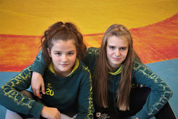 Mia (li.) und Maria holten sich den Turniersieg in Werdau