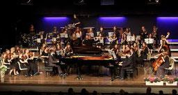 """Das Orchester der Musikschule """"Karol Szymanowski"""" aus Wroclaw (Breslau) in der Erkelenzer Stadthalle beim Konzert """"Classic in Concert"""" beim letzten Austausch-Projekt vor zwei Jahren.  FOTO: Laaser (Archiv)"""