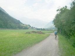 Fahrradtour entlang der Passer von Dorf Tirol nach St. Leonhard im Passeiertal