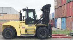 montacarga grande Hyster H25XMS-9 en el puerto de Hamburgo