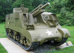 M7 B2/105mm - deutlich erkennbar das Fahrgestell des M4A3 Sherman