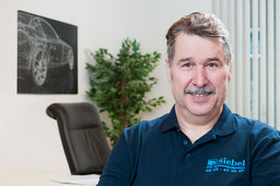 Franz van Aken - Karosseriebaumeister KFZ-Sachverständigenbüro Siebel