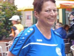 Ilona Stahl beim Zieleinlauf