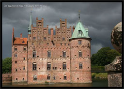 je schwärzer der Himmel wurde, desto mehr Hygge versprach das Schloss zu sein