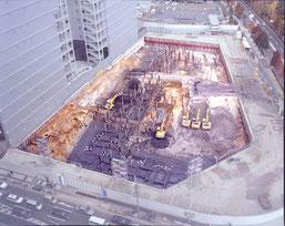 大坂城大手口での発掘全景