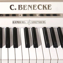Preiskategorie C, An der Alster, Klaviere