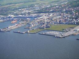 Bild: Der Hafen von Cuxhaven
