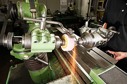 Holzbearbeitungswerkzeug, Schleifgeometrien, Schleifcenter, Schärfmaschinen, Thaa AG, Schweiz