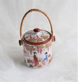 Chinadose mit Deckel für Tee oder Zucker mit wunderschönen Motiven.